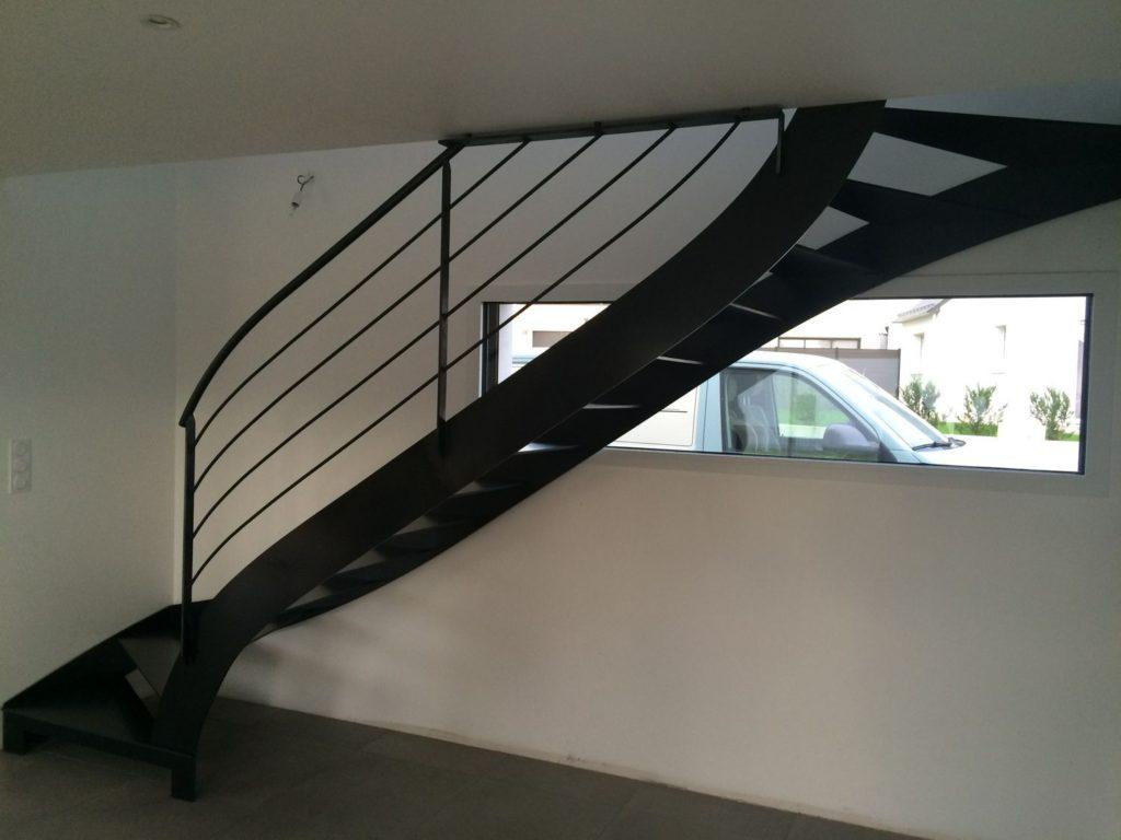 Escalier 1/4 tournant métal intérieur