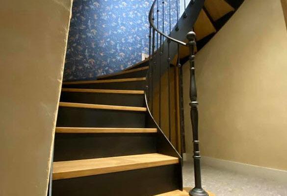 Escalier hélicoïdal métal et bois intérieur