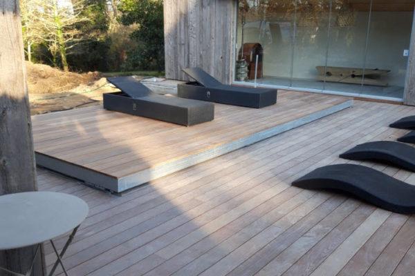 Terrasse sur piscine à Vannes